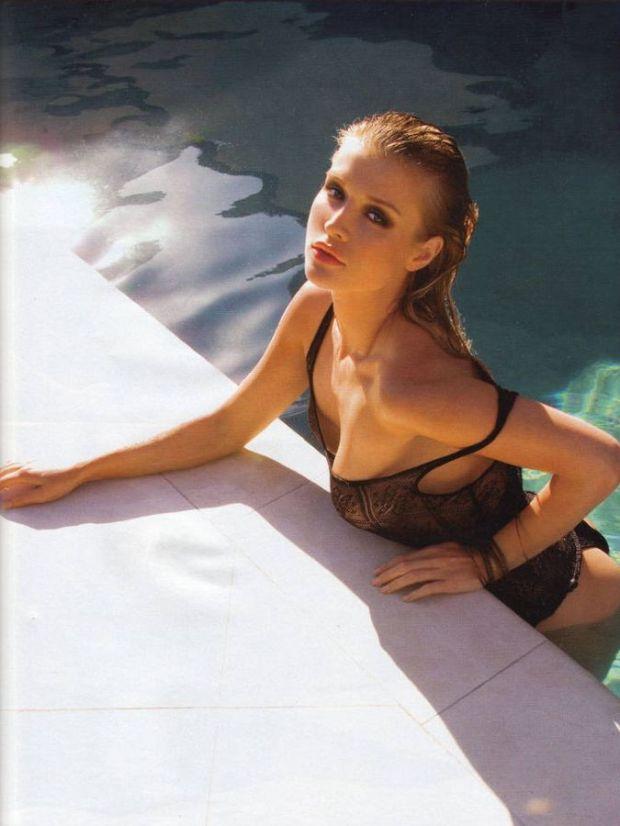 Joanna-Krupa-Maxim-Bikini-03