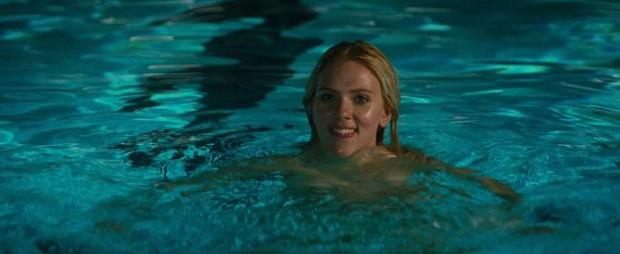 Does not Scarlett johansson skinny dip