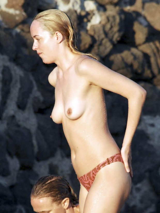 dakota-johnson-topless-in-italy