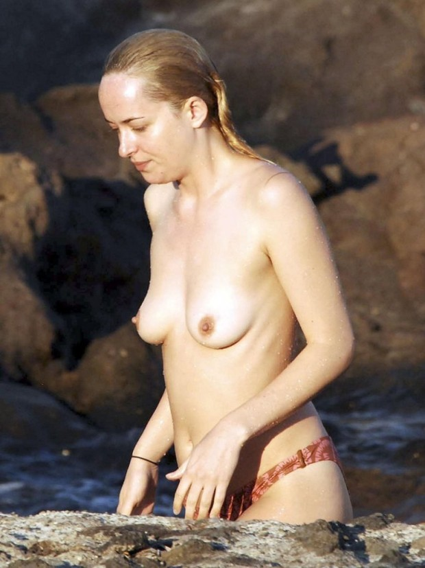 Dakota-Johnson-Topless